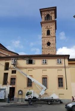Chiesa collegiata piccolo intervento al tetto della casa for Tetto della casa moderna