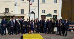 Inaugurata a Villastellone la targa del Lions Club territoriale