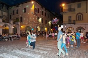 Giovedì sotto le Stelle 2017 piazza Sant'Agostino Carmagnola revival