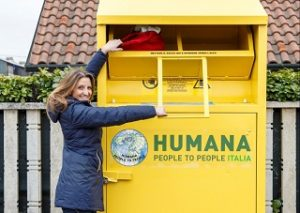 humana riciclo indumenti usati covar14