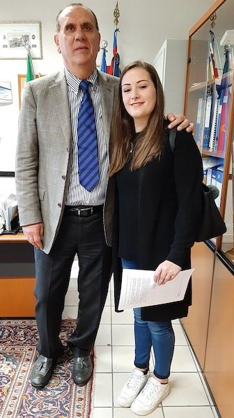 Elisa Mampreso con il dirigente Franco Zanet studentesse premiate