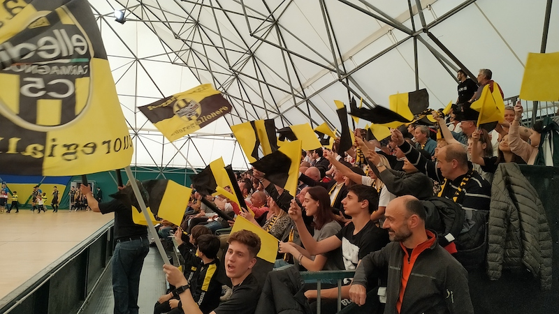 Tifosi Elledì ad Aosta per i playoff validi per il passaggio in Serie A2 di futsal