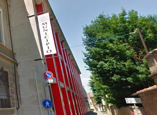 municipio Consiglio comunale Carignano foto Google Street View