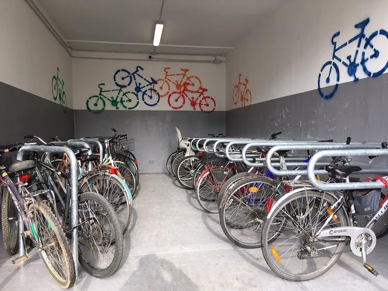 stazione di carmagnola parcheggio biciclette ph. Francesco Rasero per Il Carmagnolese