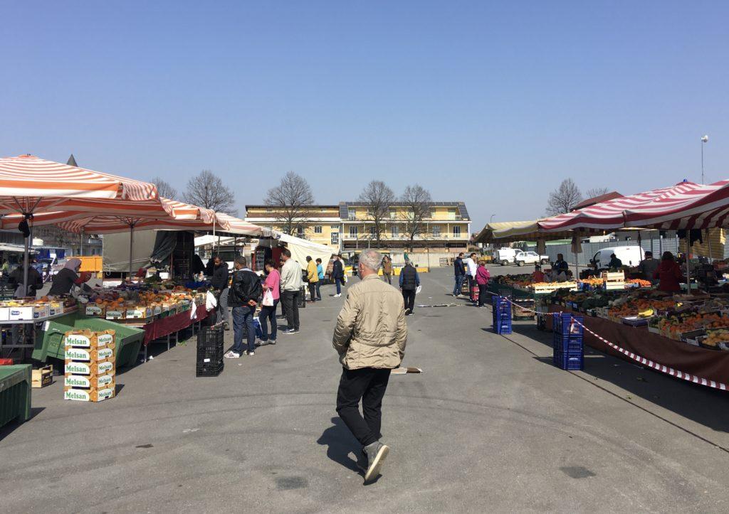 Mercato alimentare speciale Carmagnola sabato Piazza Italia