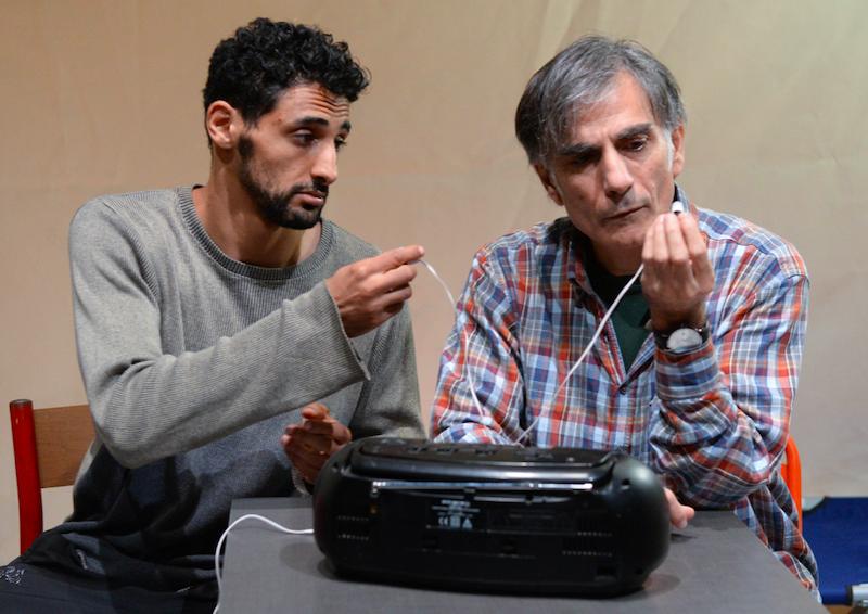 Mario e Saleh foto Tommaso Le Pera Scena Verticale