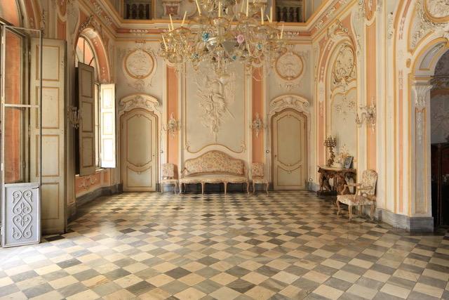 tenuta Berroni Il salone centrale della Villa
