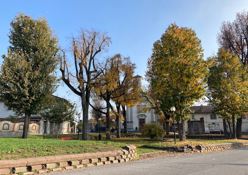 La piazza di frazione San Michele, dove è attiva da poco una telecamera di controllo del traffico